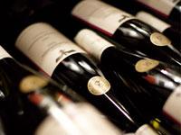 Für Weinliebhaber ist die Teilnahme an einer Weinprobe an der Mosel ein absolutes Highlight.